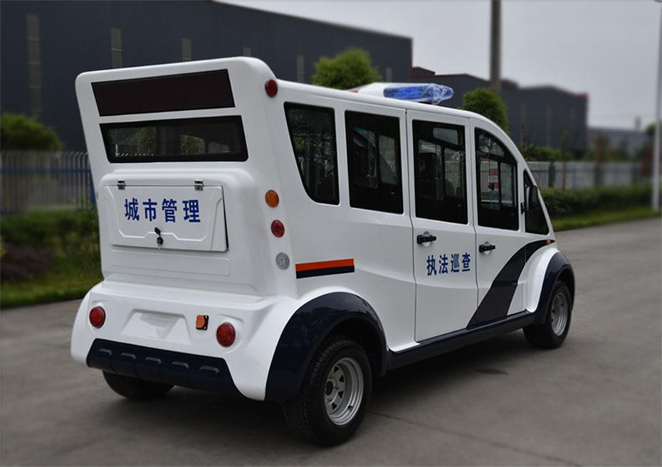 城管执法巡逻车.jpg