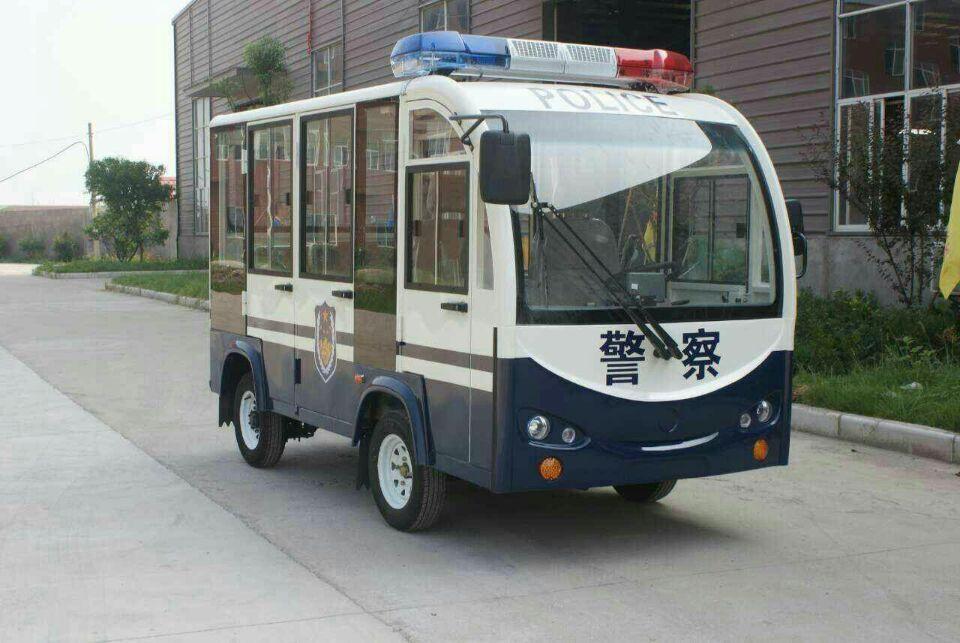 八座警用巡逻车.jpg